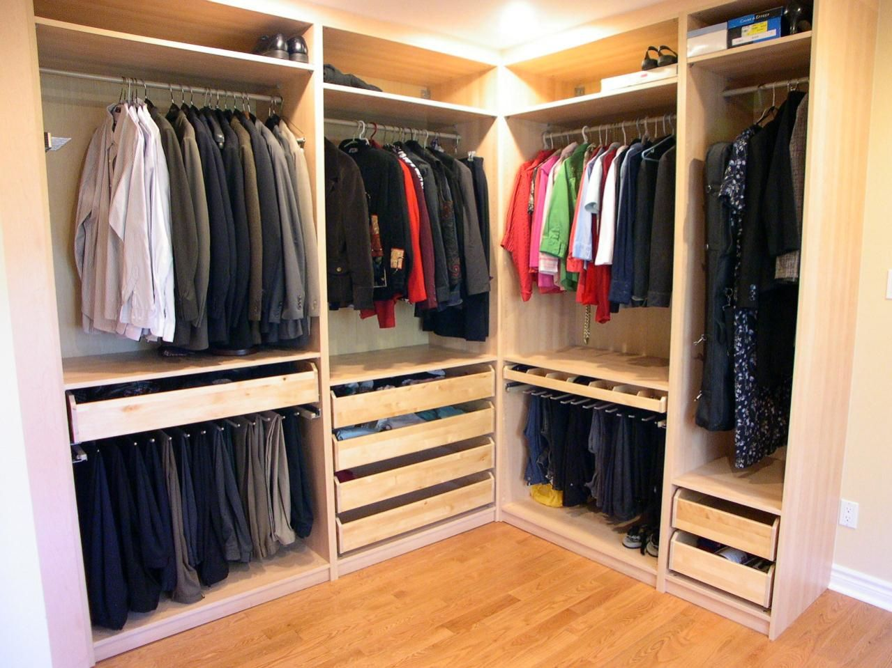 Engaging Chic Curved Closet Organizer Decoration Inspiration With Wooden Wardrobes And Shelves Also Warm Lighting Astonishing Interior Design Ideas