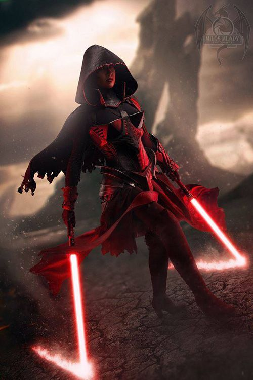 sith lord cosplay Female