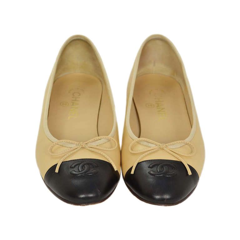 CHANEL 2014 Biege/Black Leather Ballet Flats Sz 8.5