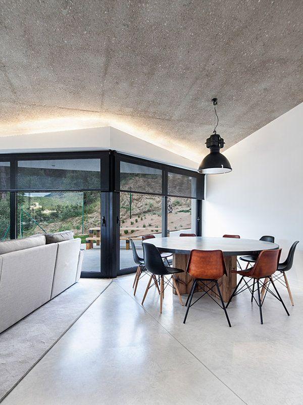 Un Salon De Diseno Minimalista E Industrial Con Vistas Comedores - Salones-diseo-minimalista