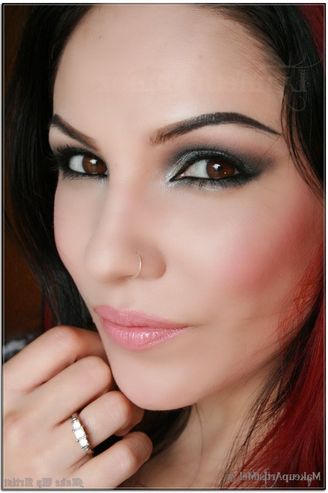20 Places To Get Deals On Make Up Artist
