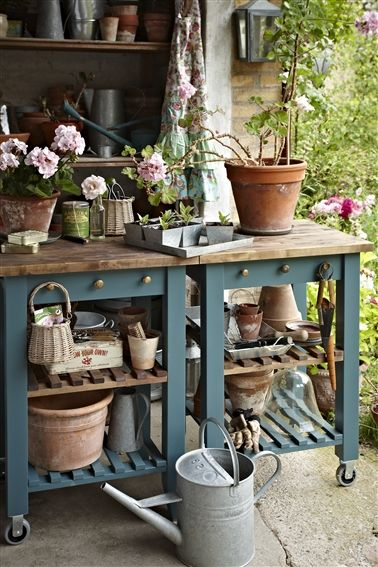 50 Best Potting Bench Ideas To Beautify Your Garden POTTING
