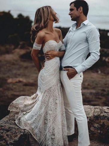 Ivory Lace Beach Wedding Dresses Sweetheart Neck Rustic Boho
