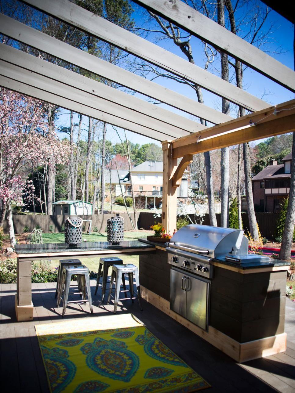 outdoor küche gestalten grillgerät- herzstück der gartenküche klein