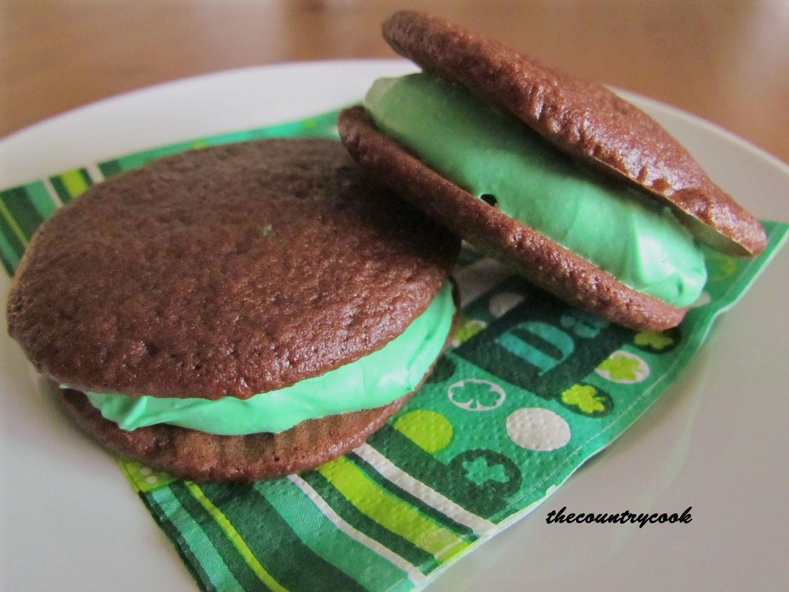 Mini Whoopie Pies (making it for the in-law)