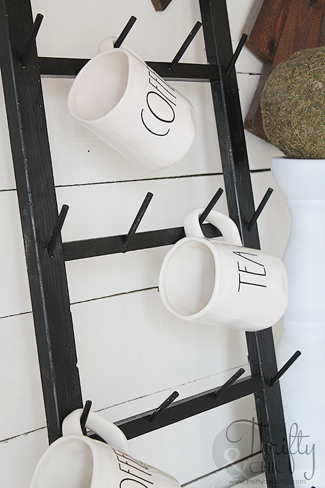 DIY Coffee Cup Display Rack #coffeecup DIY coffee cup display rack. Easy to wall mount! Great way to display Rae Dunn pieces. DIY farmhouse decor #mugdisplay
