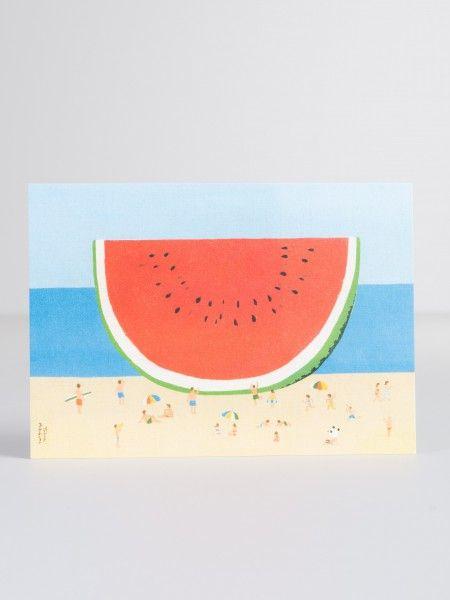 'Melone' Diese tollen und ausgefallenen Postkarten sind von U Studio, einem zeitgenössischen und designorientierten Herausgeber von Karten und Geschenken. U Studio entwirft und entwickelt alle Produkte in ihrem Studio in Bristol und arbeitet mit Künstlern, Illustratoren und Fotografen aus der ganzen Welt zusammen. Motto: Wir lieben Kunst & wir machen Kunst. Maße: 10,5x15cm Info: Ohne Deko