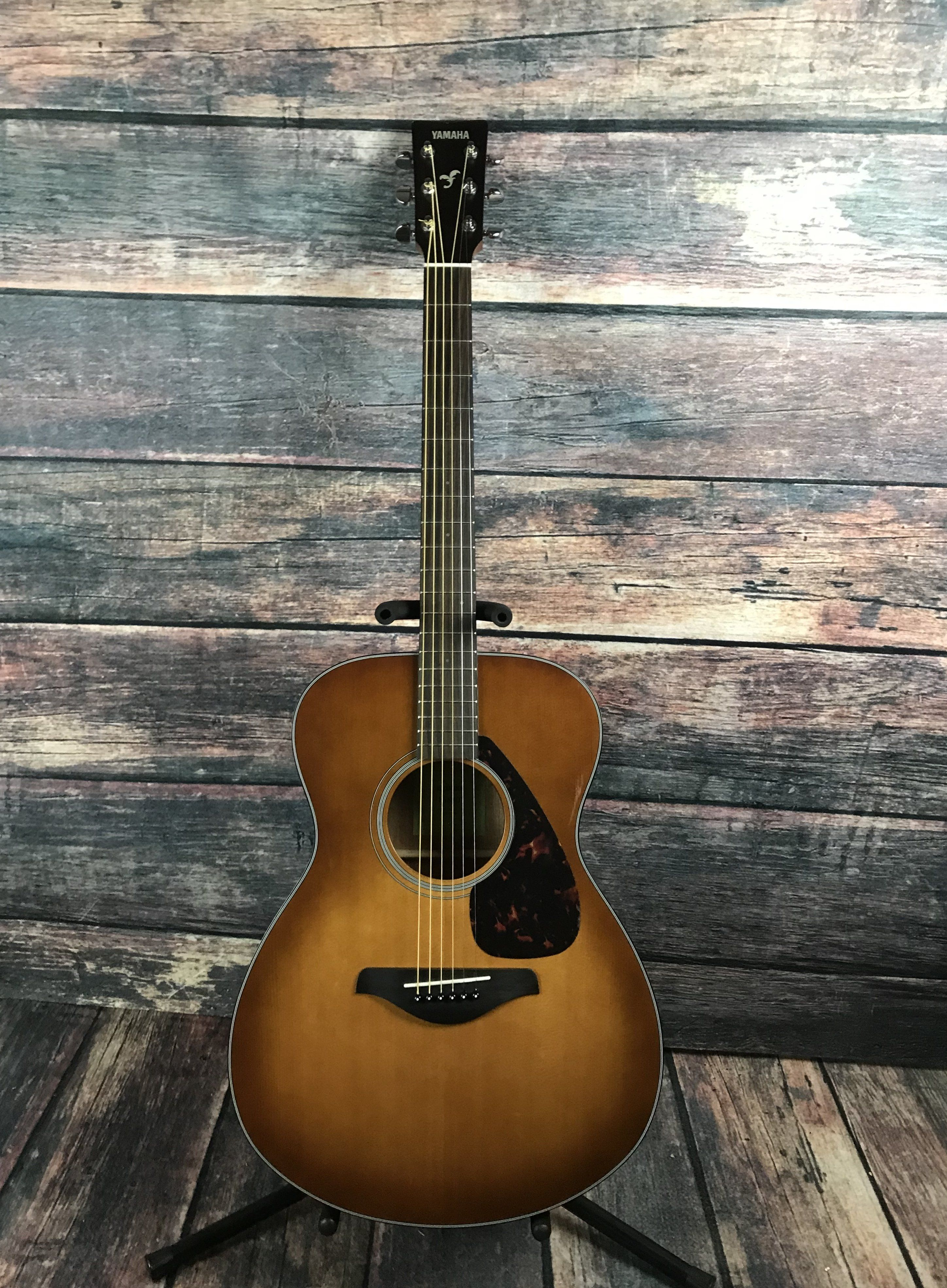 Used Yamaha Fs 800 Small Body Acoustic Guitar With Bag Yamaha Guitar Guitar Acoustic Electric