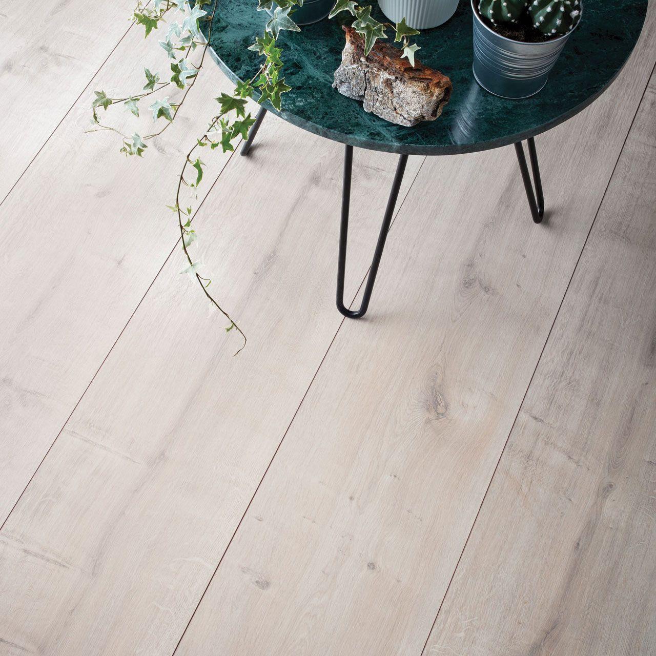 Wembury Winter Oak Laminate Flooring Woodpecker Flooring