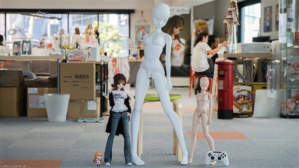 Japanese Designer Danny Choo Creates Four Foot Tall Smart Robot Using 3D Printing   FILACART BLOG   3D Printing MegaStore https://filacart.com/blog/japanese-designer-danny-choo-creates-four-foot-tall-smart-robot-using-3d-printing/