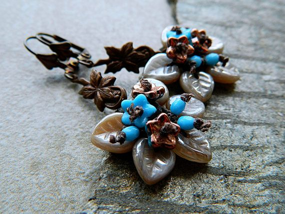 Hey, I found this really awesome Etsy listing at https://www.etsy.com/listing/191234035/blue-beige-flower-cluster-dangle