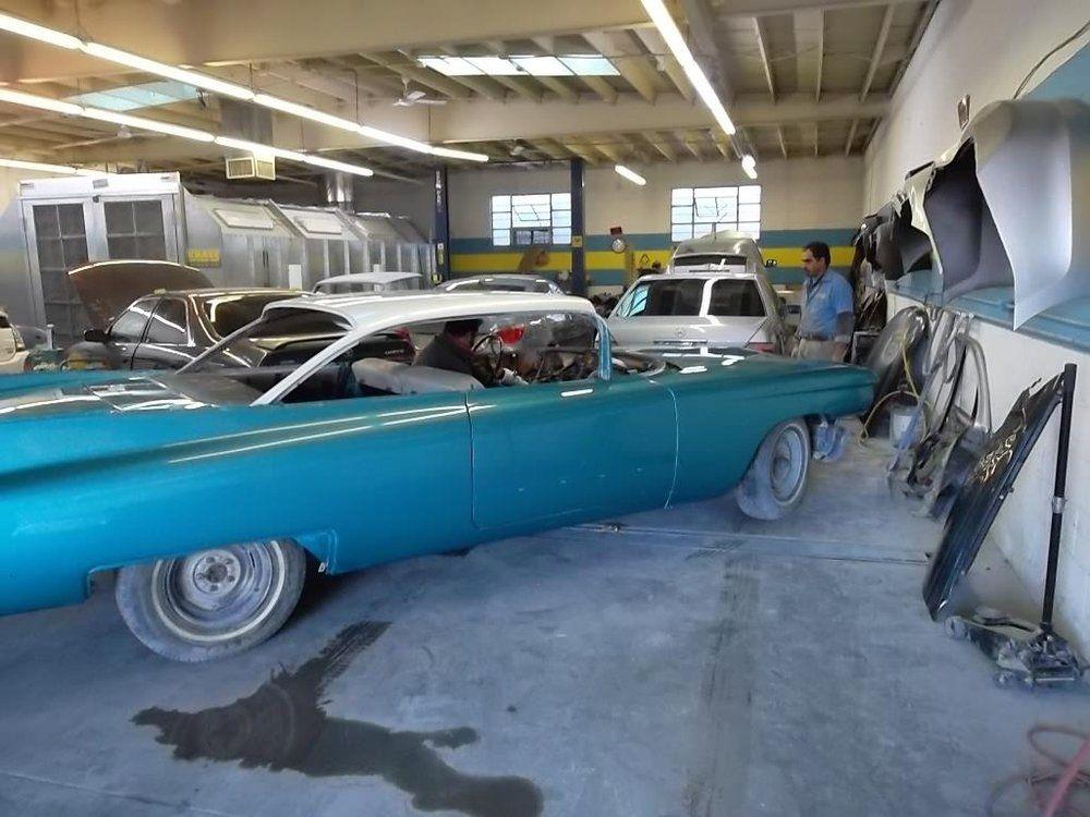 Auto Body Shop Glendale Glendale (With