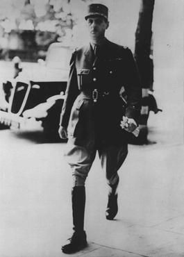 Líder francês Charles de Gaulle em Londres após o armistício francês com a Alemanha. De Gaulle se recusou a aceitar o armistício e conduziu o movimento de resistência França Livre. Londres, Grã-Bretanha, 25 de junho de 1940.