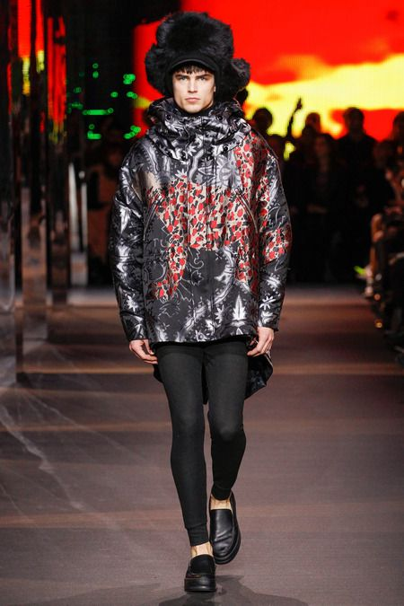 9c766c866f Moncler Gamme Rouge | Fall 2014 Ready-to-Wear Collection | Style.com ...