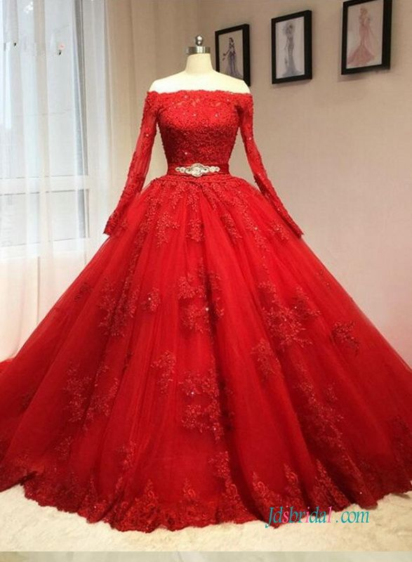 Vintage Red Long Sleeved Ball Gown Wedding Dress With Lace