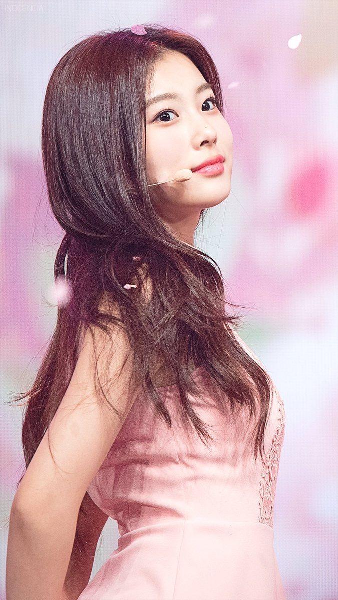 kang hyewon #강혜원 ♡ #IZONE #아이즈원 | izone | Korean girl band ...