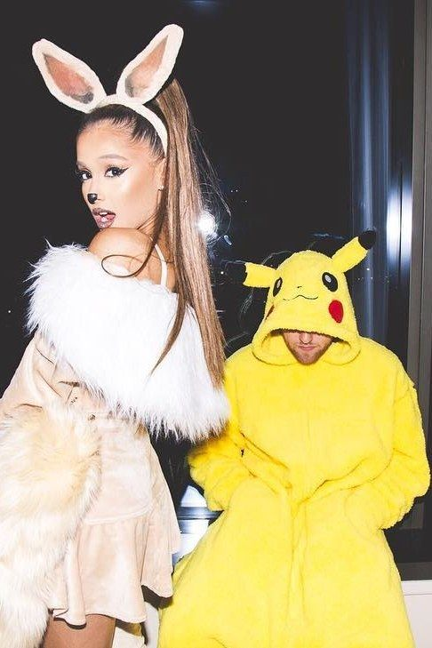 Ariana Grande Halloween Costume 2019.Ariana Grande And Mac Miller Had Three Halloween Couple S Costumes