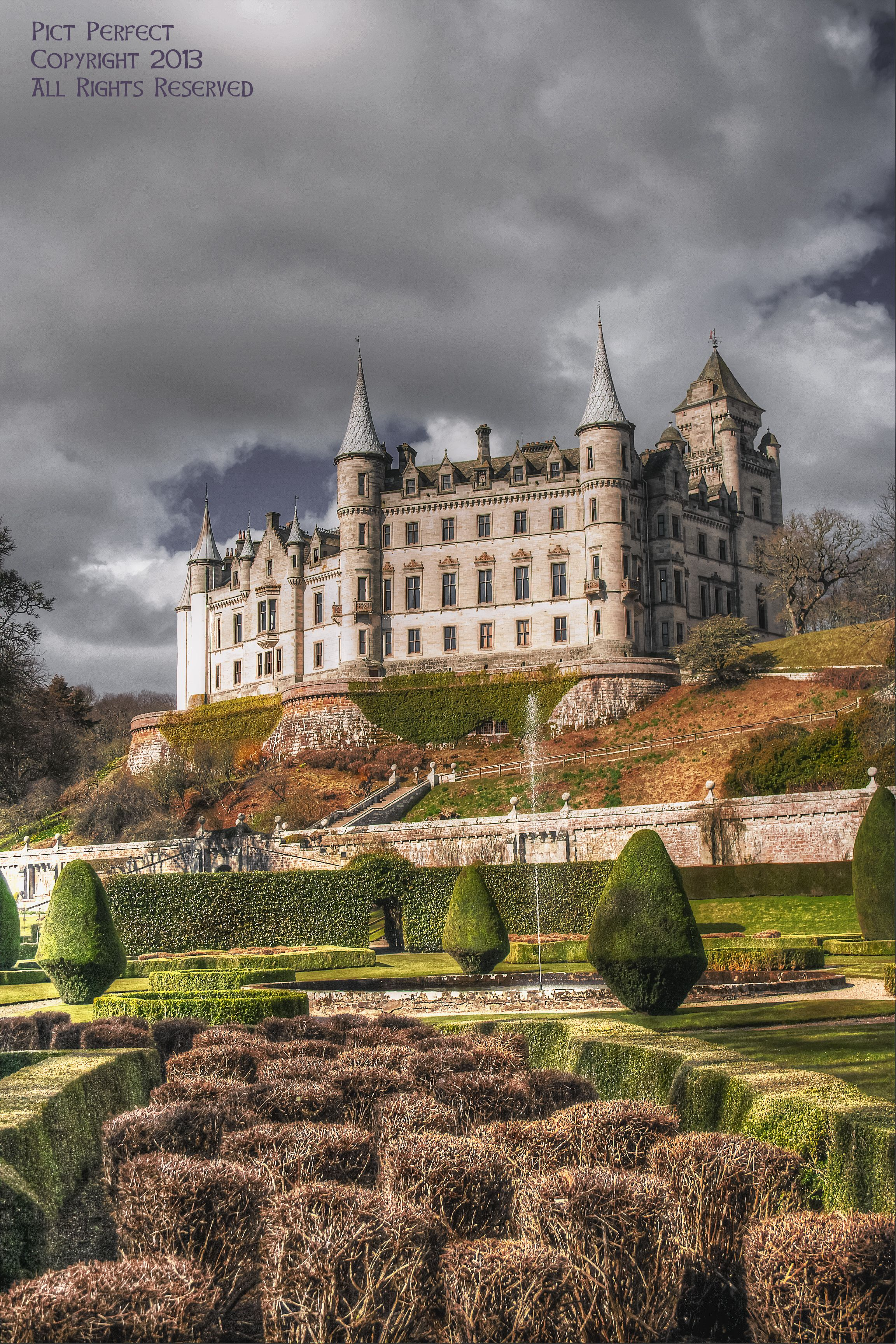 Dunrobin Castle By Golspie Scotland Dunrobin Castle Is A Stately Home In Sutherland In The Highland Area Scotland Castles Scottish Castles Beautiful Castles