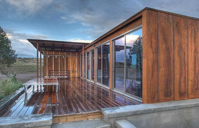 Modern prefab home, Texas: Modern prefab modular homes