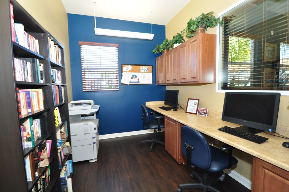 Need To Make Copies Or Do Some Research Check Out Our Business Center At Shadow Way Apartments In Oceanside Ca Home Apartment Oceanside