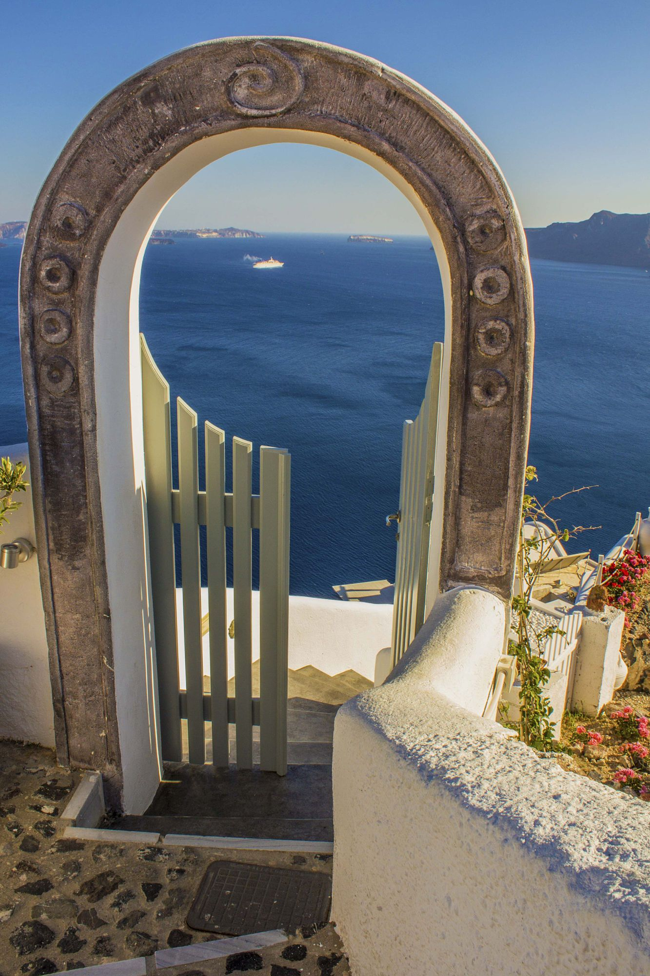 Gate to the Aegean, Oia, Santorini