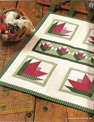 FELIZARTES: patchwork Make a table runner from this?