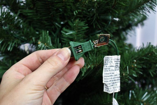 How to Troubleshoot Pre-lit Christmas Tree Lights | eHow
