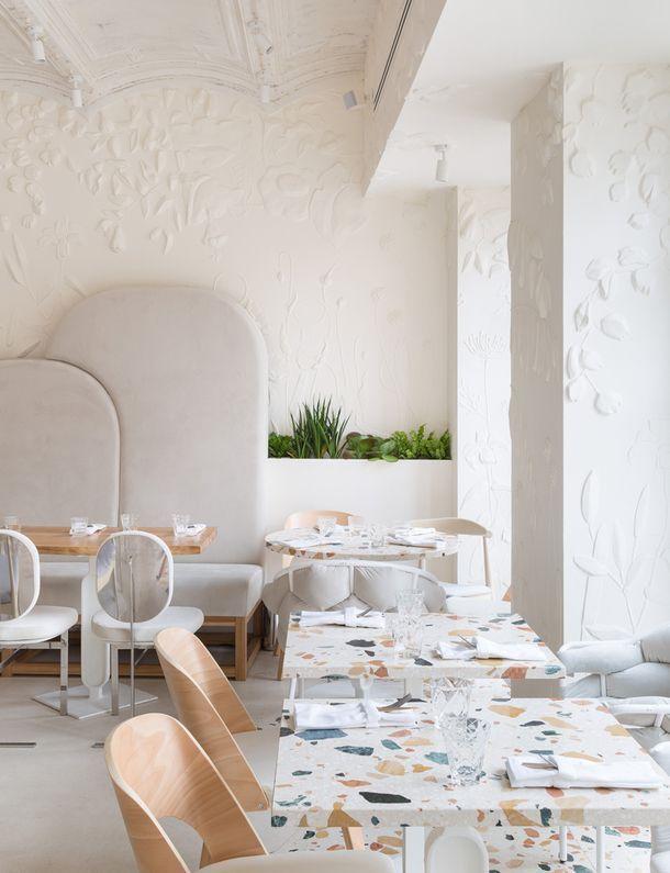 Novaya Margarita Na Patrikah Ad Magazine Restaurant Design Restaurant Furniture Cafe Interior Design