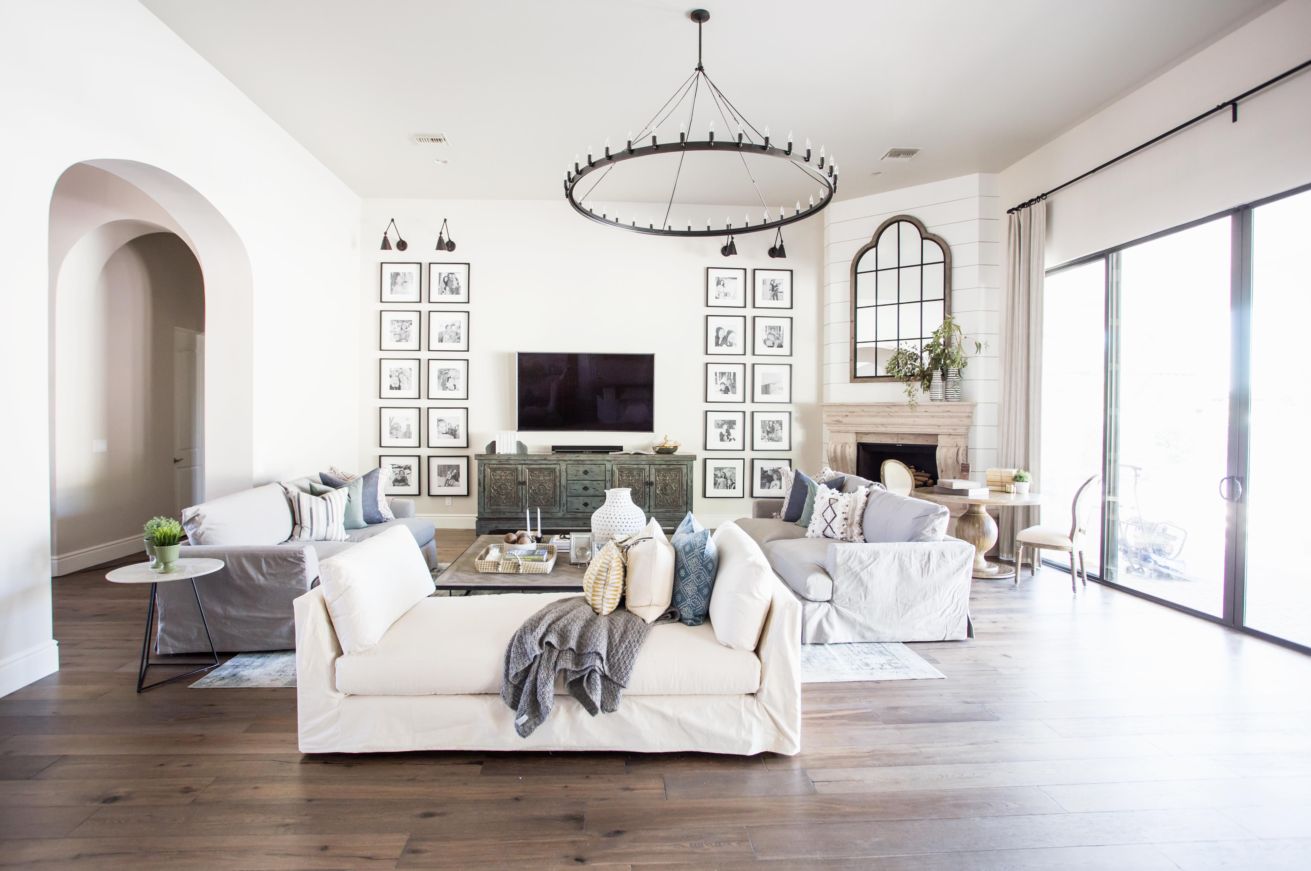 Santa Barbara Style Home The Lifestyled Company Scorpio Place Project Scorpioplaceproject Black And White Gallery Wal Home Rustic Consoles Living Room Designs
