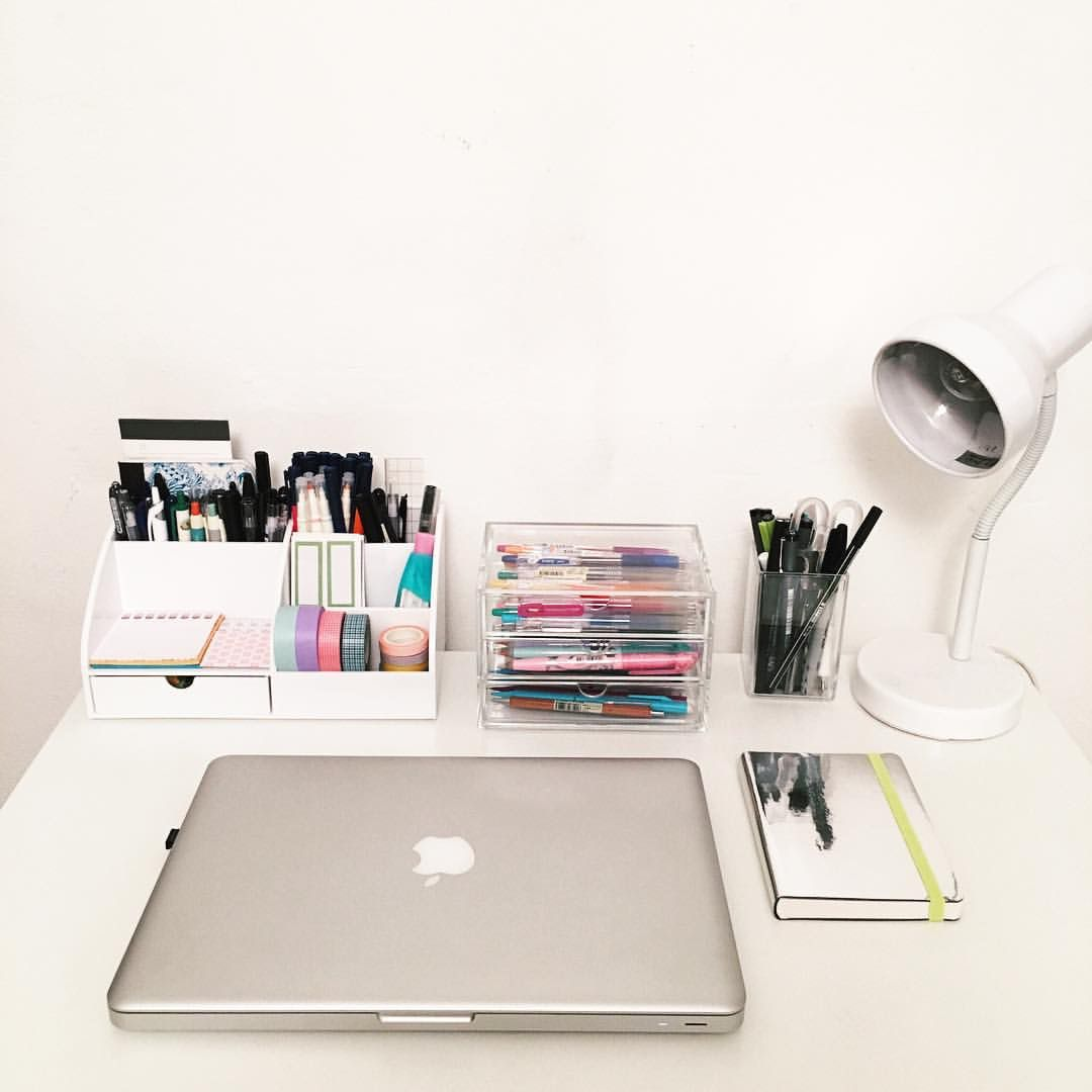 Pin By Jessica Marie On S C H O O L Desk Organization College College Desk Study Table Organization