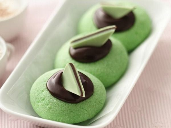 20 christmas cookie recipes via thebearfootbakercom chocolate mint thumbprints by betty crocker - Betty Crocker Christmas Cookie Recipes