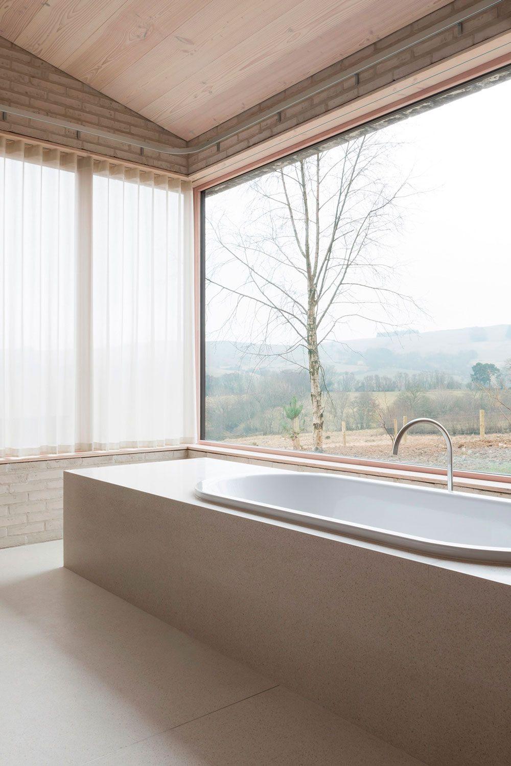 Bath.  Home Life by John Pawson.  Photography © Gilbert McCarragher