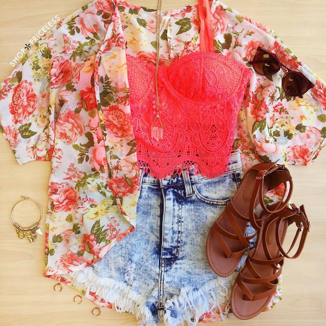 Musculosa+shorts de jean+kimono+sandalias
