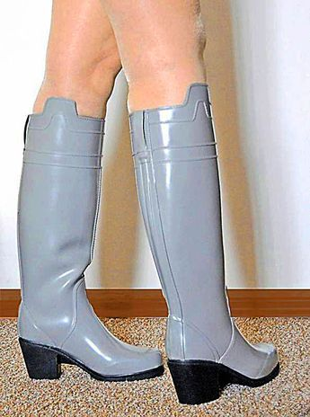 high heel rubber boots  wellies's 520 media statistics