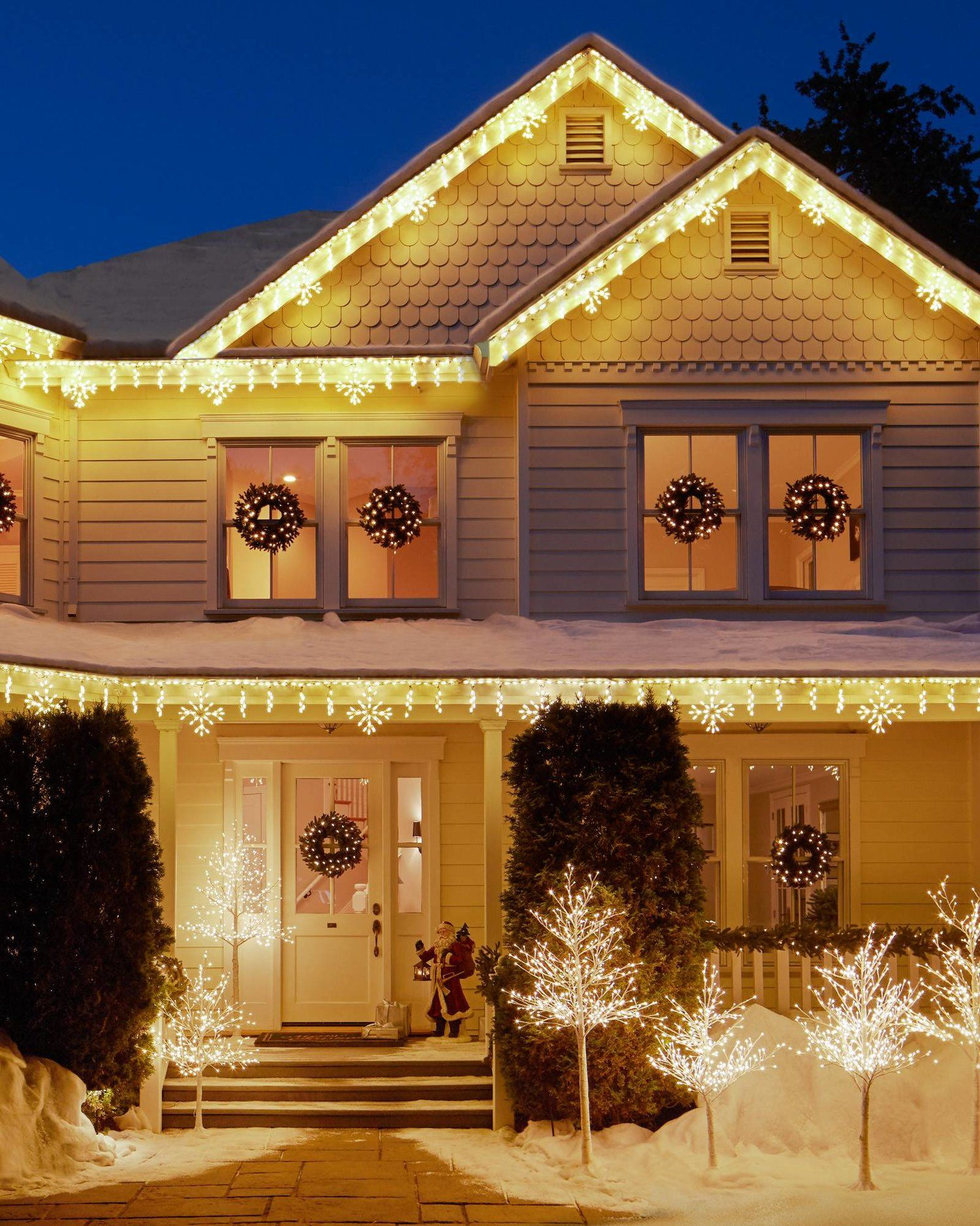 15 Magical Outdoor Christmas Decorations BalsamHill With i