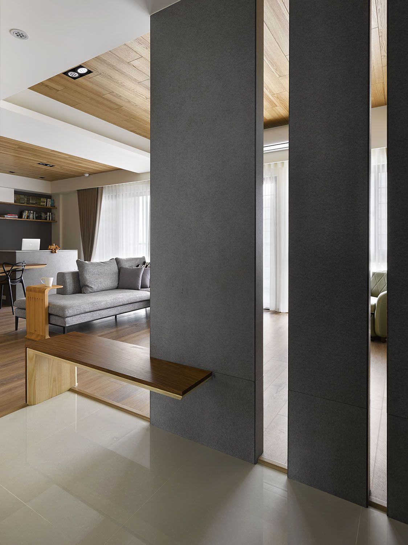 Plano y dise o de interiores de moderno departamento de tres dormitorios separadores de for Interiores de departamentos modernos