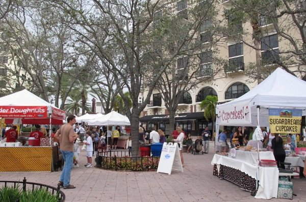 West Palm Beach Green Market Is The Area S Original And Most Popular Greenmarket This Traditional European Style Palm Beach West Palm Beach Beach Communities