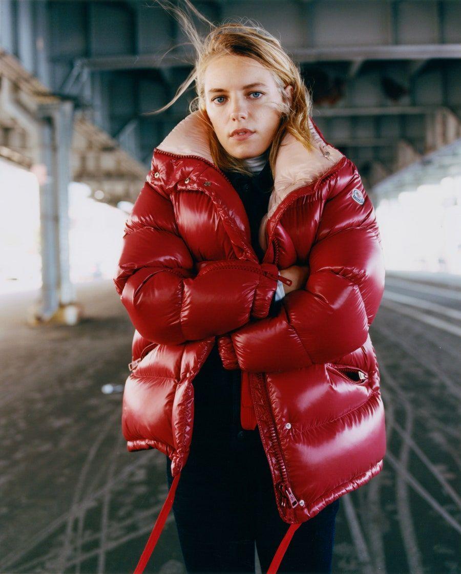 24 Reasons Why We All Wear Moncler Vogue Moncler Jacket Women Fashion Moncler Women [ 1121 x 900 Pixel ]