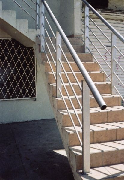 Escaleras y balcones herreria y forja escaleras en 2019 home decor accessories steel y - Barandales para escaleras ...
