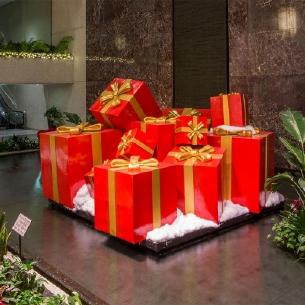 Giant Gift Boxes Barrango Inc Christmas Tree With Gifts Disney Christmas Decorations Office Christmas Decorations