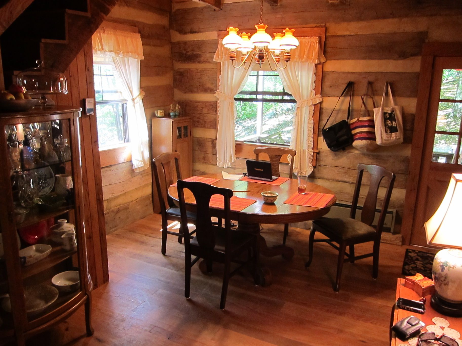Rustic Cabin Interiors Lodge Log Cabin Style Decorating