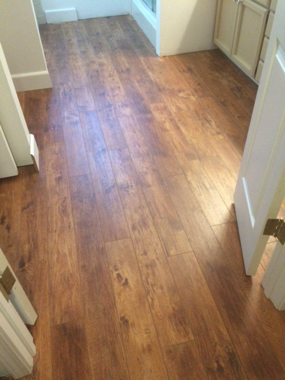 Armstrong Pryzm Treeline Hickory Amber 5 X 47 56 Waterproof Vinyl Plank Flooring Flooring Vinyl Plank