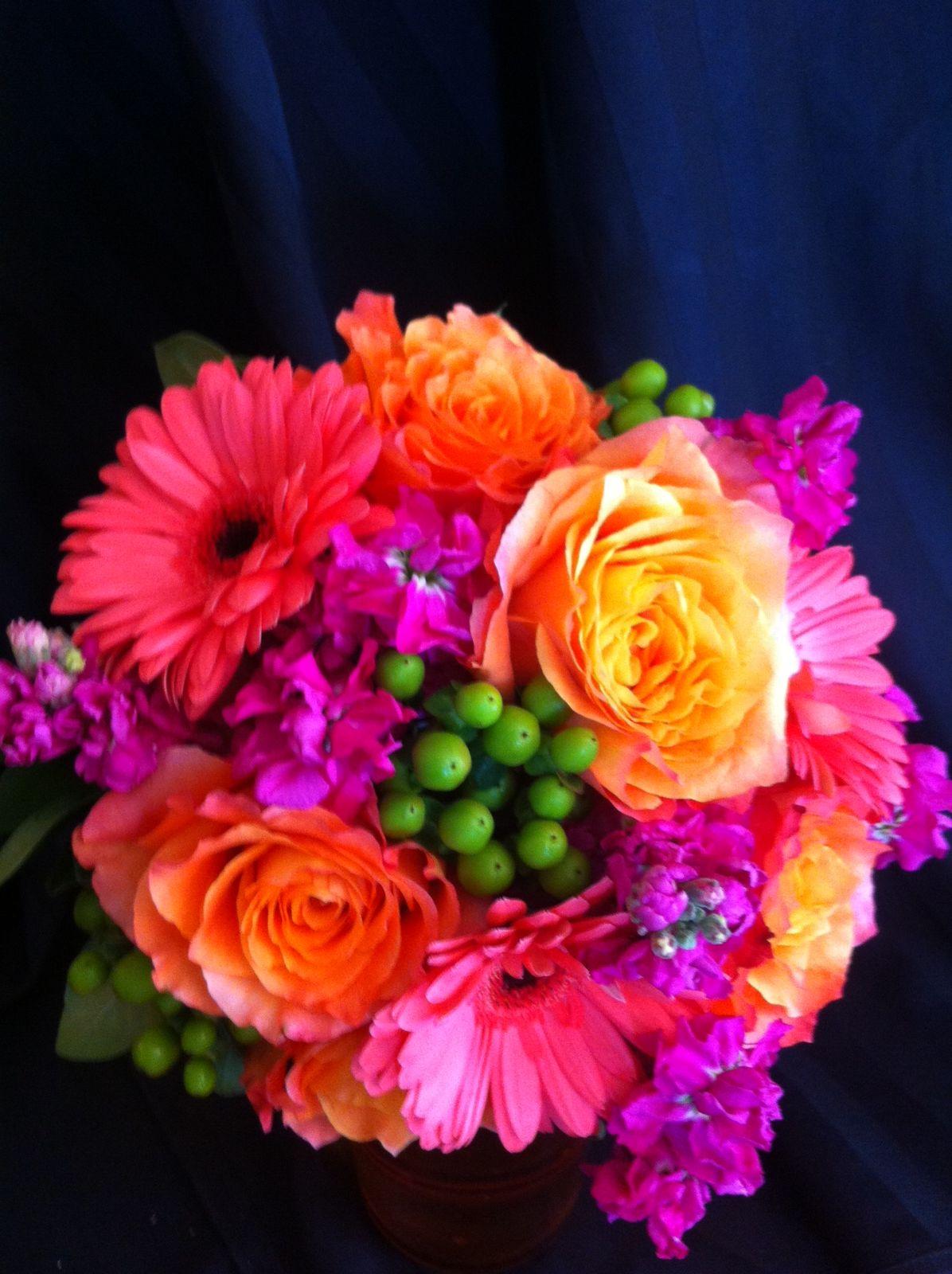 Summer Hot Colors bouquet. Coral Gerber daisies, orange garden roses ...
