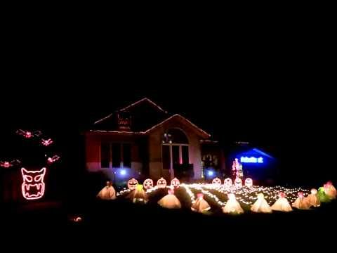 2013 jaeger holiday haus halloween light show angry birds