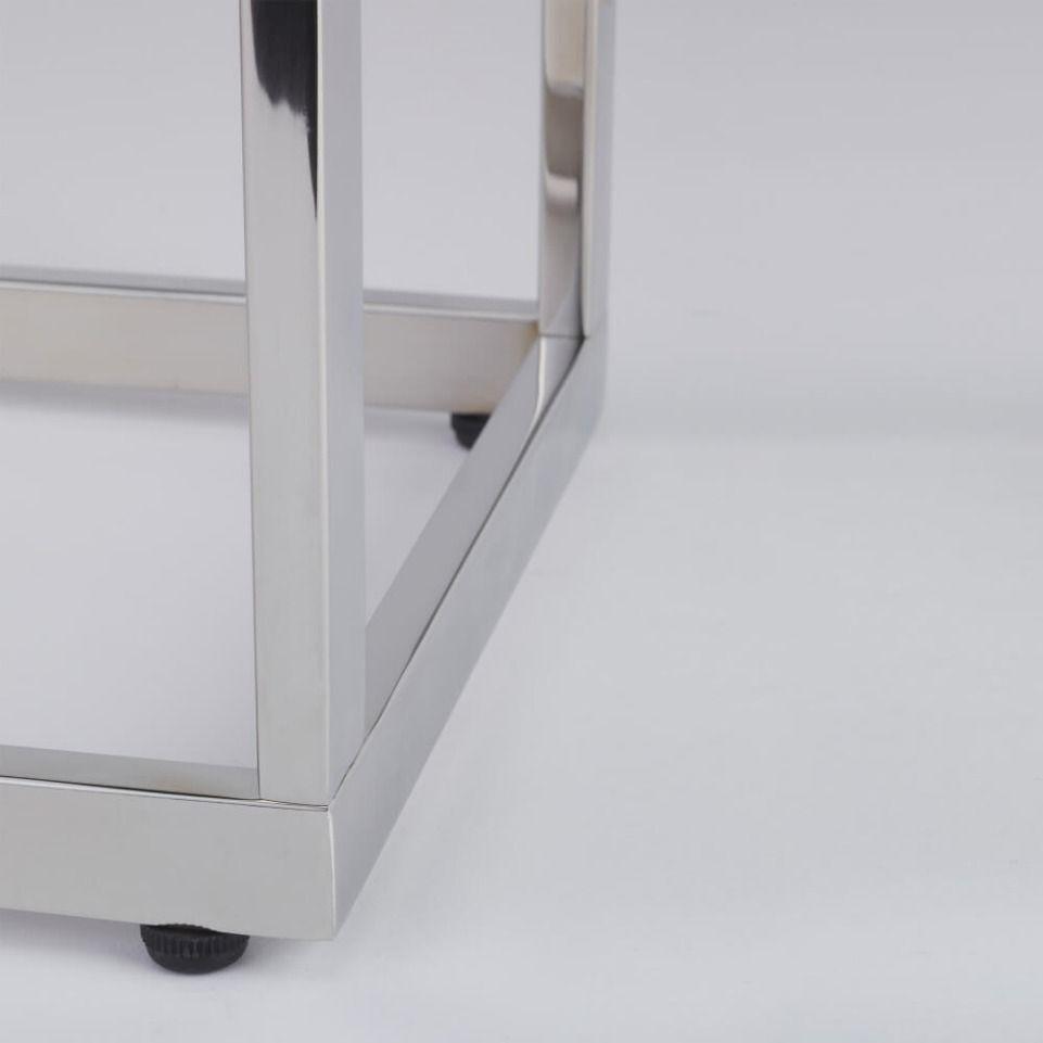 Standfester Handtuchständer mit Rechteckrohr in moderner