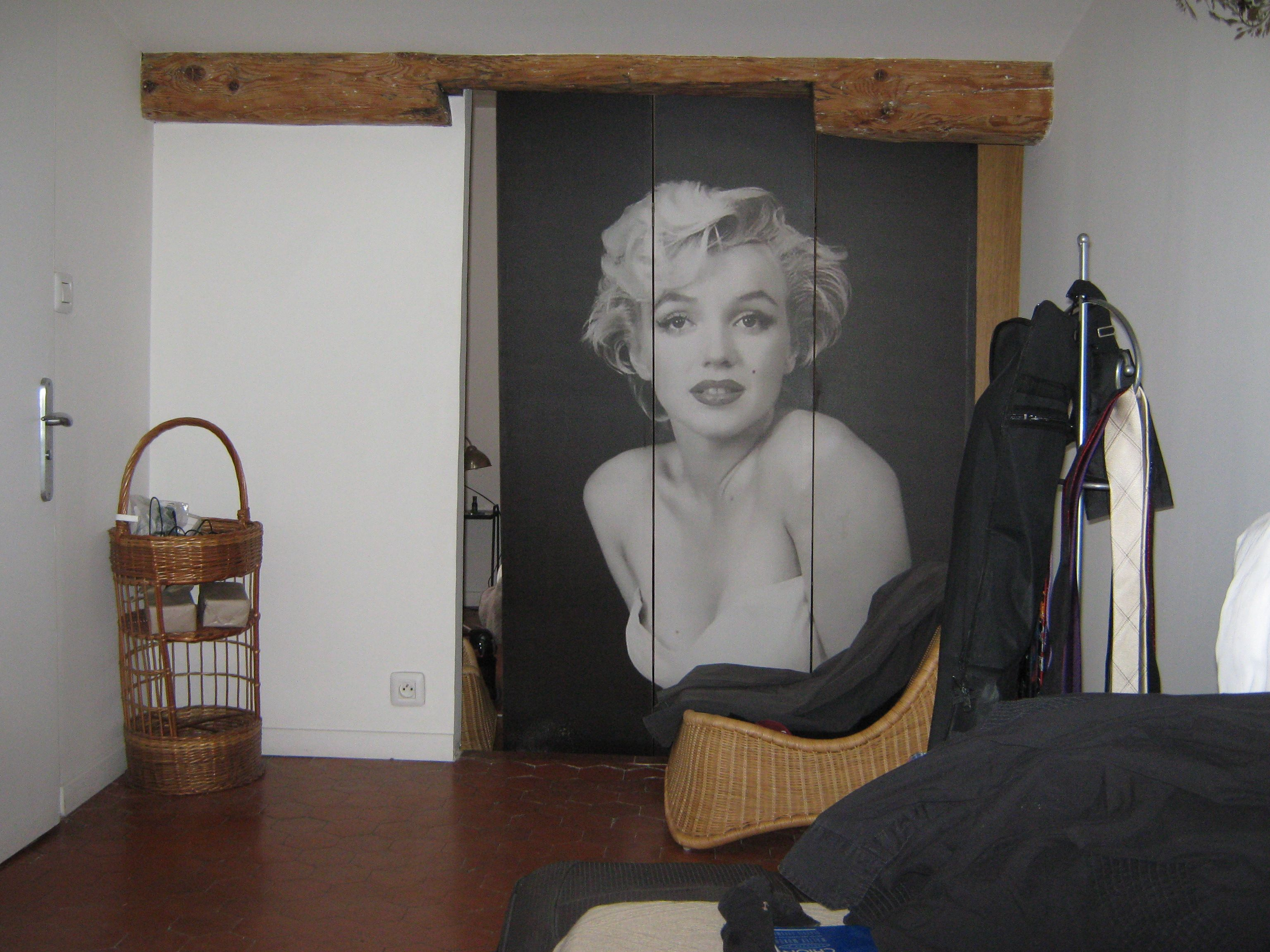 Awesome Cool Marilyn Monroe Themed Girls Bedroom Ideas : Minimalis White Girls  Bedroom Decoration With Marilyn Monroe