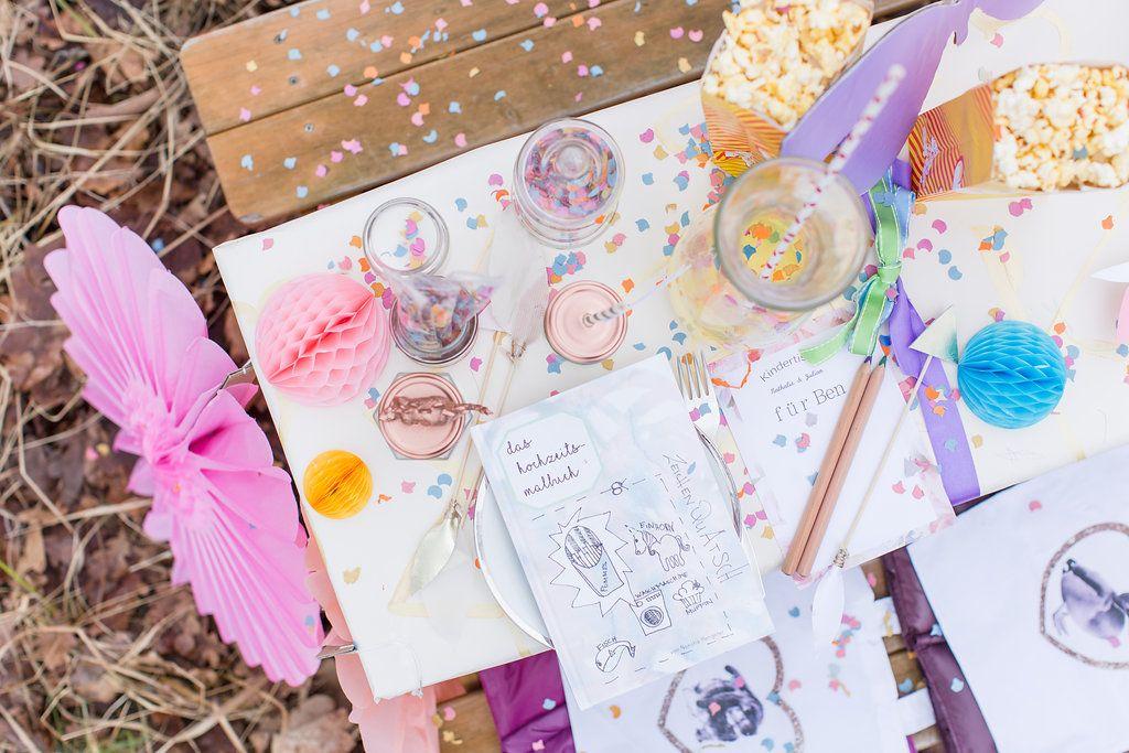 Beschaftigung Fur Kids Hochzeitsmalbuch Zeichenquatsch Ideen Fur Eine Kindertisch Dekoration Gewinne 1 Buch Hochzeitsblog The Little Wedding Corner Kindertisch Hochzeit Kreuz Hochzeit
