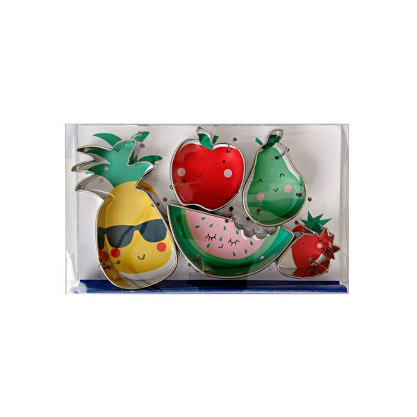 Meri Meri Fruit Cookie Cutters (99 SEK) ❤ liked on Polyvore featuring home, kitchen & dining, kitchen gadgets & tools, strawberry cookie cutter, cookie cutters, fruit cookie cutters, apple cutter and pineapple cookie cutter