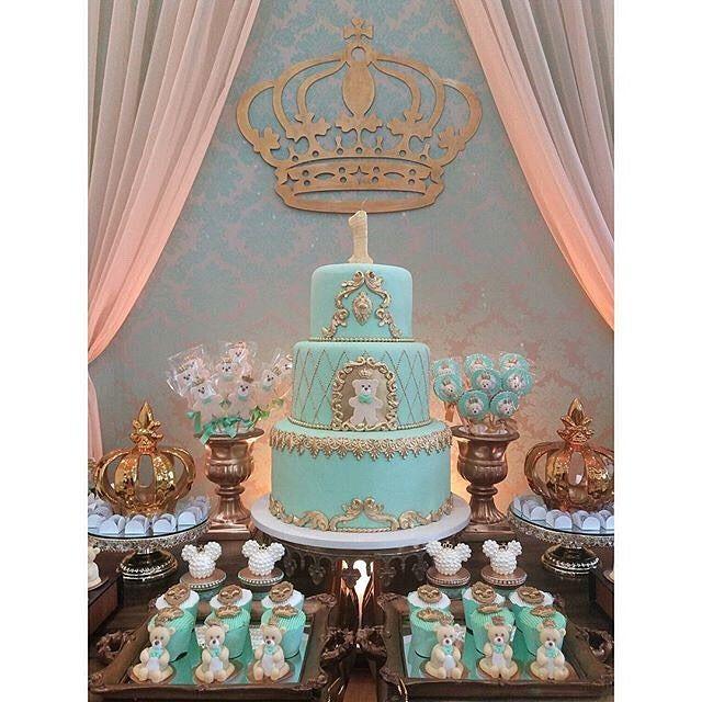#Repost @lalapetit: espectacular decoración de una fiesta de ositos  Decoración y recordatorios: @_lalapetit  Maqueta, pirulitos, ositos modelados, cupcakes, y bizchochos decorados: @doce_alegria Bombones decorados: @valeria_aquino_delicata_cakes  Globos @balloonart.go  Buffet y lugar: @espacozpelin  #ositos #bearparty #partybear #partyidea #partykids #partydecor #partydecoration #prettyparty #like #festalinda #festamenino #fiestalinda #fiestainfantil #fiestadecorada #fiestasinfantiles