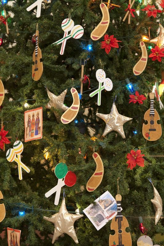Ornamentos típicos muy puertorriqueños. CORTESÍA. Puerto Rico, Christmas  Trees, Christmas Ornaments, - Ornamentos Típicos Muy Puertorriqueños. CORTESÍA. Mi Puerto Rico
